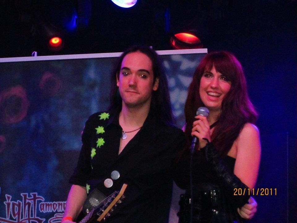 LIGHT AMONG SHADOWS Trabajando en su próximo disco
