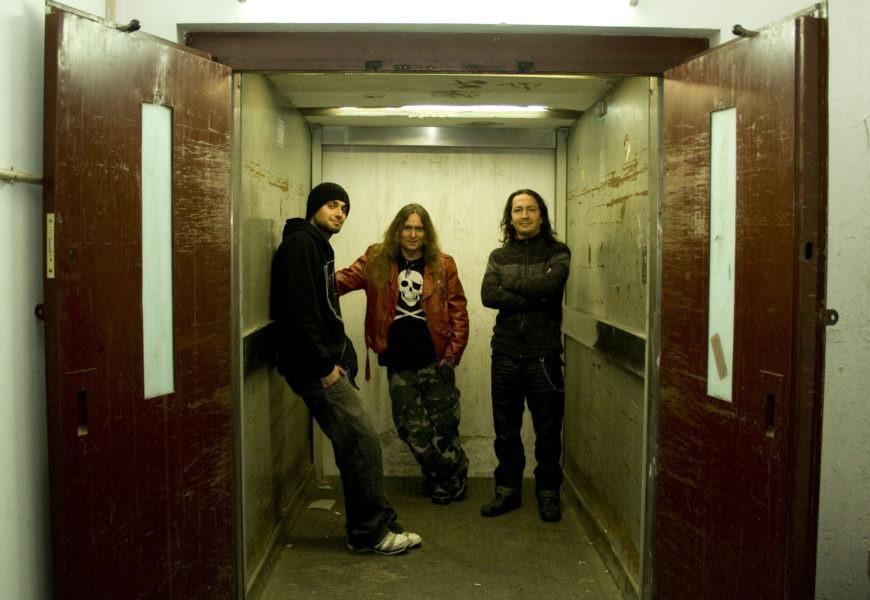 RÈPTIL-E – Nuevos perfiles en la red y grabación del próximo disco