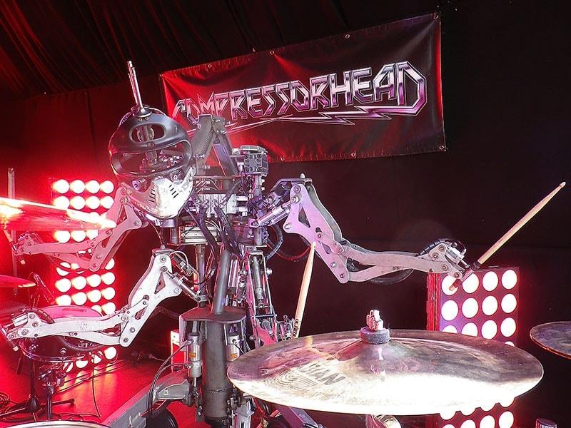 Crowdfunding para COMPRESSORHEAD la primera banda de metal que toca metal
